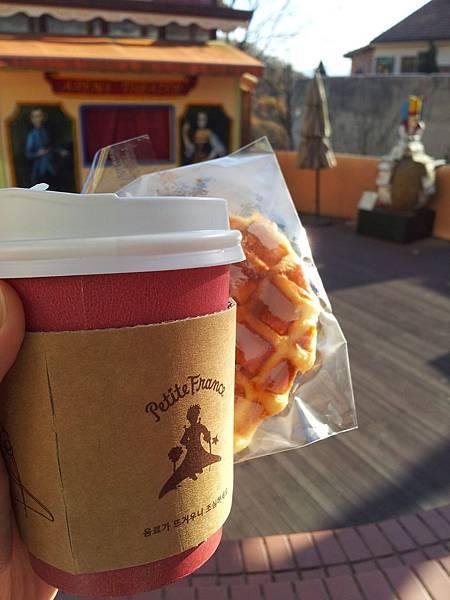 小法國.喝咖啡吃鬆餅