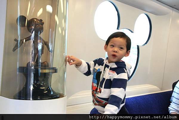 2011.02.28 香港 迪士尼樂園 (3).jpg