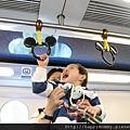 2011.02.28 香港親子遊  迪士尼地鐵  米奇拉環