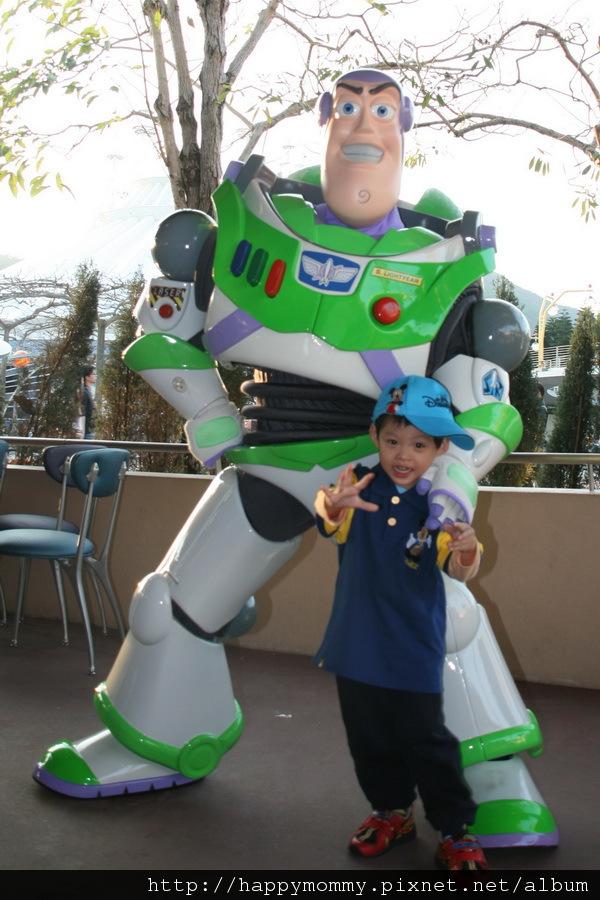 2011.02.28 香港 迪士尼樂園 (16).jpg
