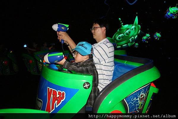 2011.02.28 香港 迪士尼樂園 (18).JPG