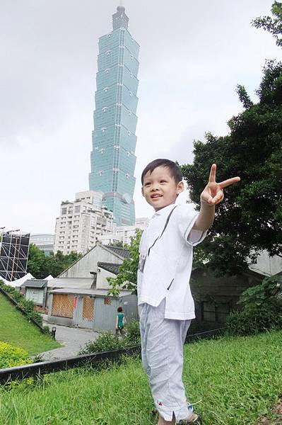 2011.09.18 信義公民會館 四四南村 (8).JPG