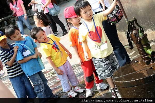 2011.11.05 學校 親子郊遊 活力農場 (24).jpg