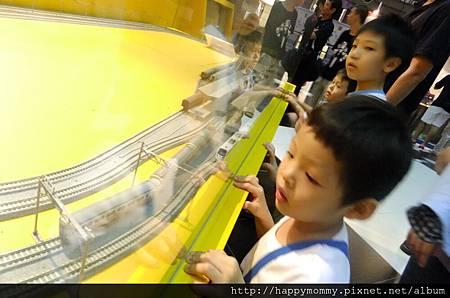 2011.11.06 台鐵百年文物特展 (15).JPG