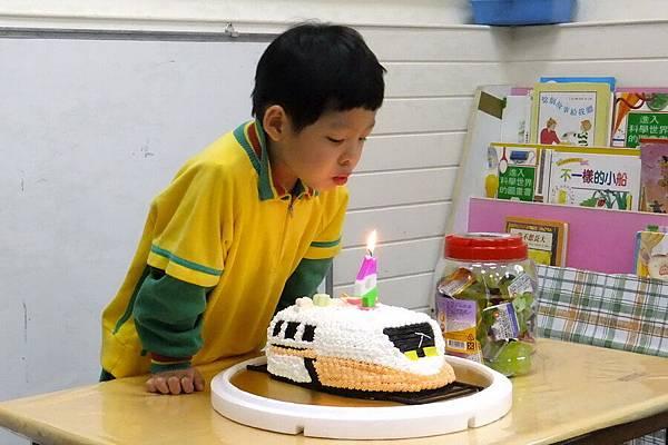 2012.04.05 朕慶4歲 學校慶生 (12)