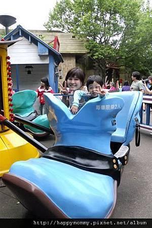 2012.04.15 六福村 海綿寶寶主題活動 (16)