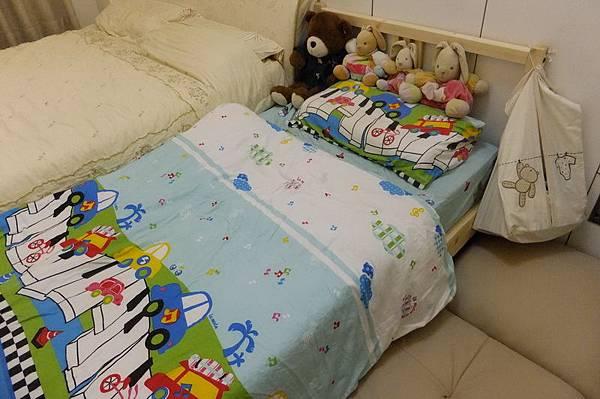 2012.06.16 慶的嬰兒床升級單人床囉 (38)
