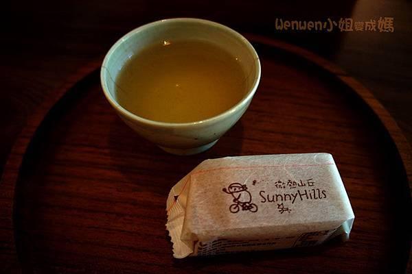 微熱山丘  中秋限定鳳梨酥禮盒 鳳梨汁 (1)