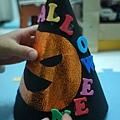2012.10.26 萬聖節南瓜帽 DIY (4)
