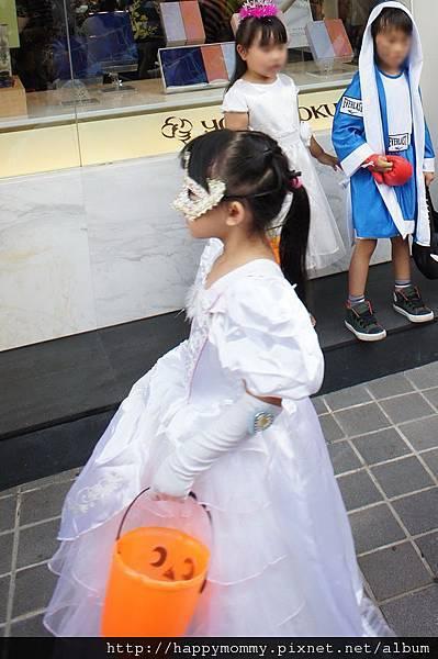2012.10.27 天母搞什麼鬼 萬聖節 好優雅的公主
