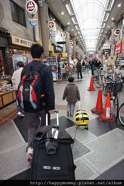 2012.12.22 東橫INN 阪急十三口旁商店街 (2)