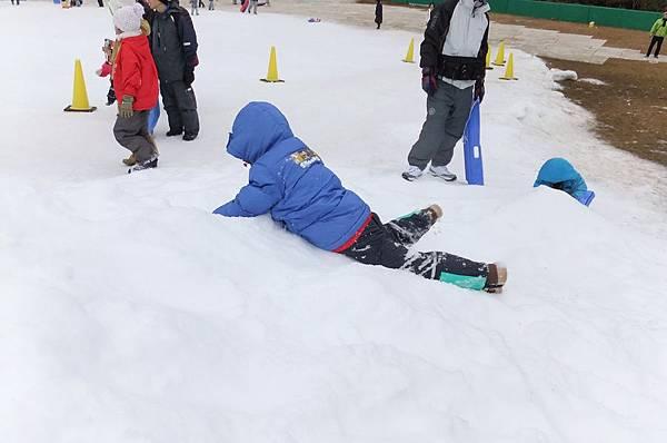 2012.12.23 關西 神戶 六甲山滑雪場 滑雪盆 (7)