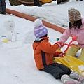日本兒童雪地穿著