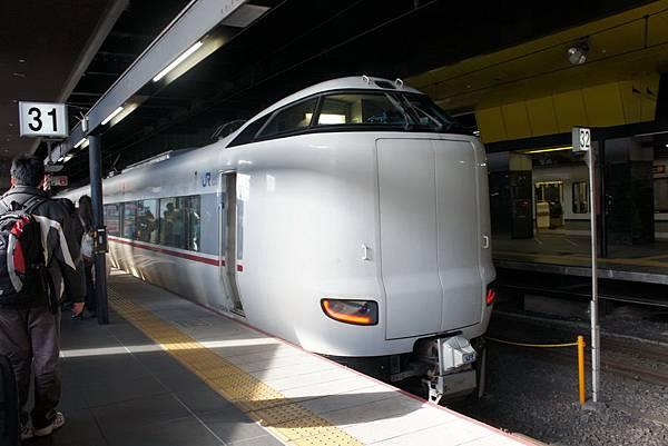 2012.12.26 京都回台灣 搭Haruka到關西機場 (16)