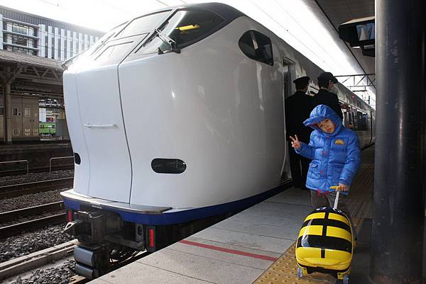 2012.12.26 京都回台灣 搭Haruka到關西機場 (18)