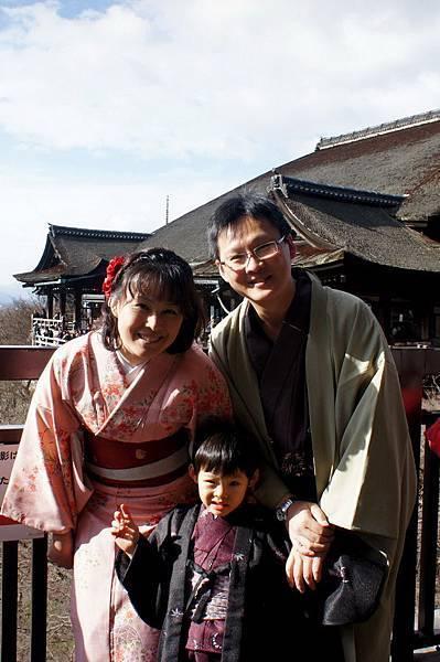2012.12.24 京都和服變身逛清水寺 地主神社 (74)
