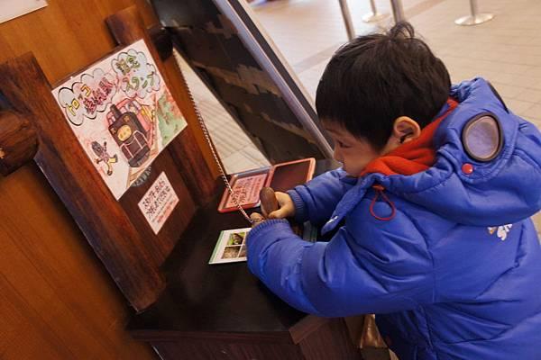 2012.12.25 京都 嵯峨觀光小火車 嵐山電車 金閣寺 (21)