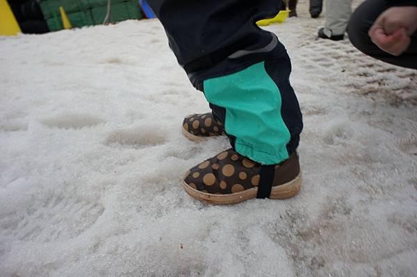 日本神戶六甲山滑雪場 玩雪盆 小孩雪地服裝 (3)