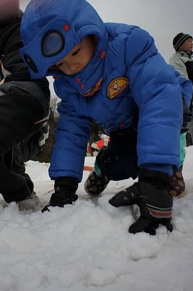 日本神戶六甲山滑雪場 玩雪盆 小孩雪地服裝 (4)