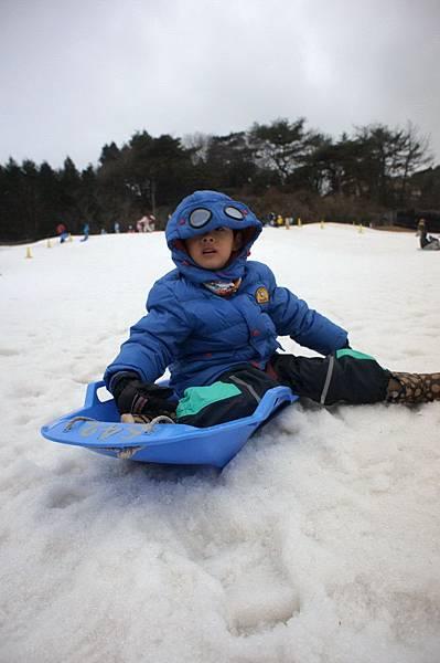 日本神戶六甲山滑雪場 玩雪盆 小孩雪地服裝 (5)
