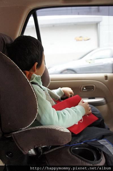 2013.02.17 成長型安全座椅 (4)