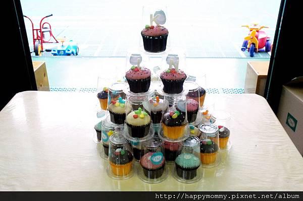 學校慶生 T&J杯子蛋糕