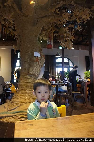 2013.04.27 宜蘭百果樹紅磚屋 聽故事 (19)