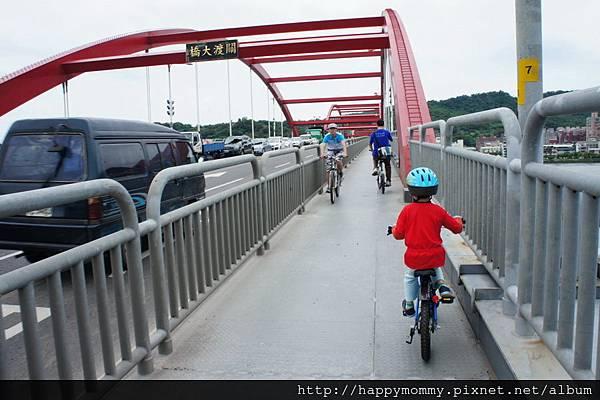 2013.05.05 鐵馬御風 關渡到八里單車道 (3)
