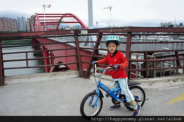 2013.05.05 鐵馬御風 關渡到八里單車道 (4)