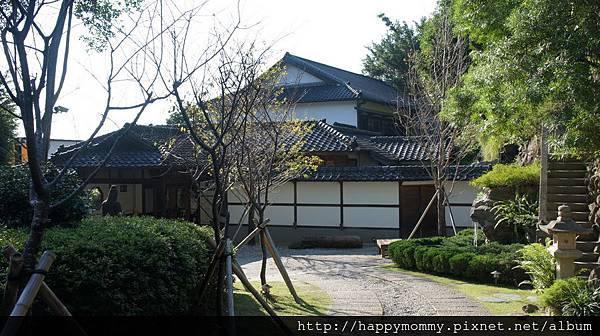 2013.10.29 北投文物館庭院 (1).JPG