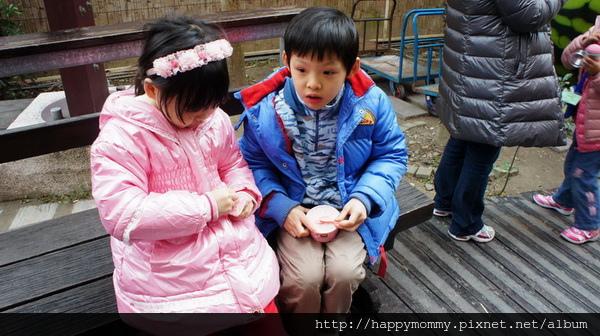 2013.12.28 大班班遊 苗栗採草莓 巧克力雲莊 草莓文化館 (35).JPG