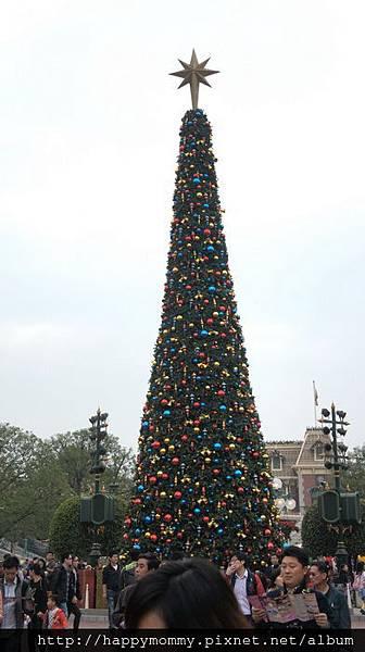 2013.12.14 香港親子遊 耶誕節 迪士尼樂園 (5).jpg
