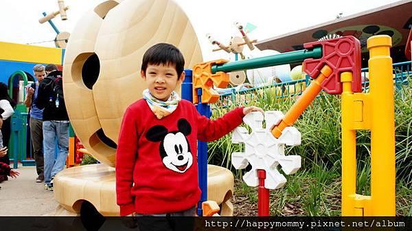 2013.12.14 香港親子遊 耶誕節 迪士尼樂園 (20).jpg