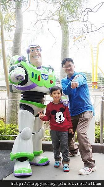 2013.12.14 香港親子遊 耶誕節 迪士尼樂園 (39).jpg