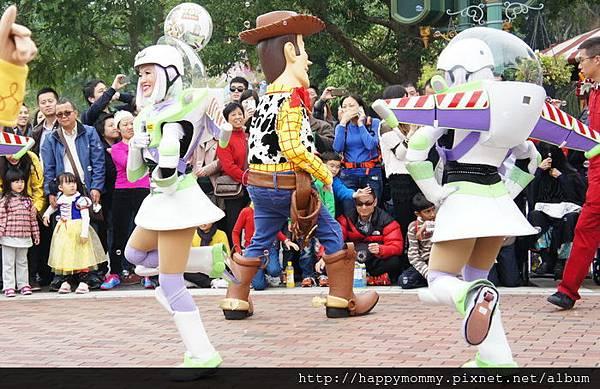 2013.12.14 聖誕節香港迪士尼樂園 飛天巡遊 (15).jpg