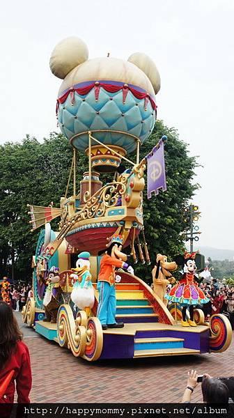 2013.12.14 聖誕節香港迪士尼樂園 飛天巡遊 (3).JPG
