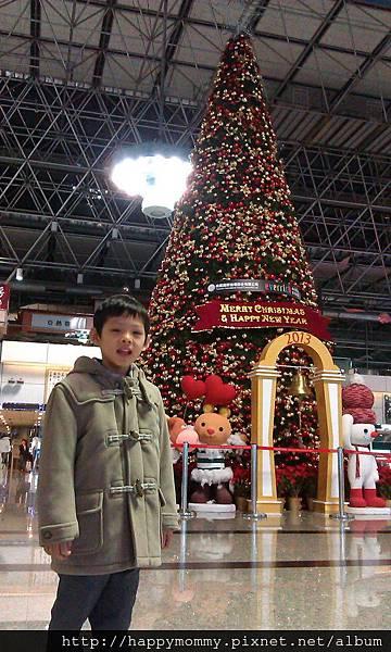 3. 2013.12 香港親子遊搭長榮航空.jpg