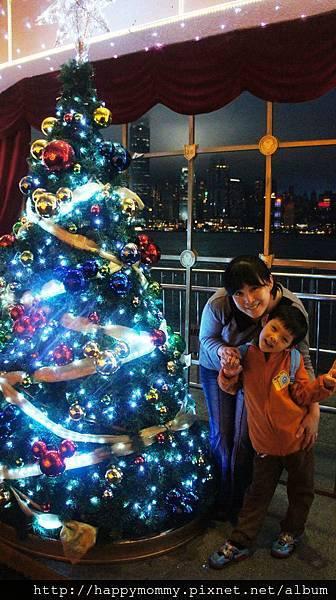 2013.12.15 聖誕節 香港親子遊 銅鑼灣 尖沙咀 (27).JPG
