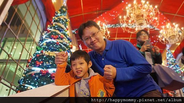 2013.12.15 聖誕節 香港親子遊 銅鑼灣 尖沙咀 (37).JPG