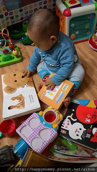 九個月 東尼看書