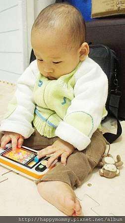 Vtech寶寶智慧型手機玩具 (11).JPG