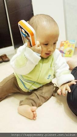 Vtech寶寶智慧型手機玩具 (12).JPG