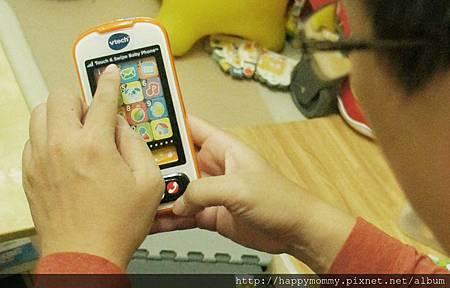 Vtech寶寶智慧型手機玩具 (18).jpg