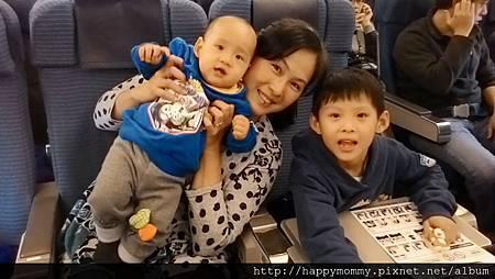 2015 東京跨年 桃園機場嬰兒搭ANA全日空 嬰兒車 嬰兒掛籃 (3).jpg