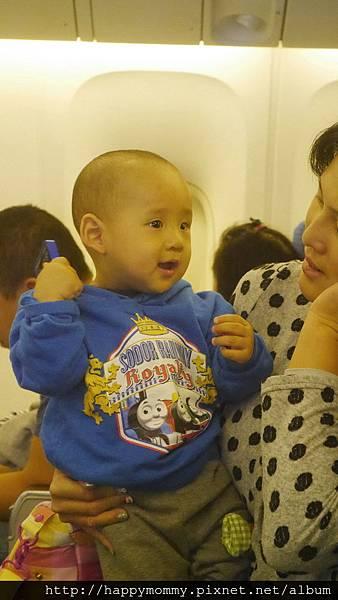 2015 東京跨年 桃園機場嬰兒搭ANA全日空 嬰兒車 嬰兒掛籃 (16).jpg