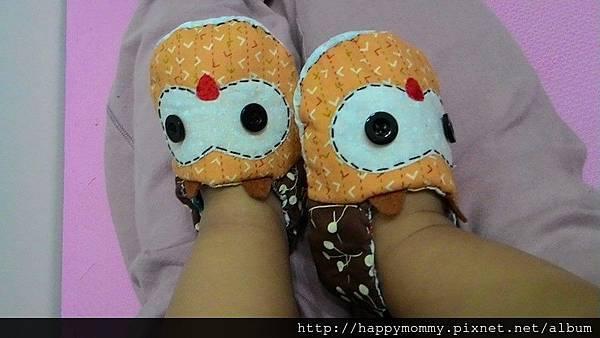2015.02 慶和媽媽幫弟弟縫製寶寶手工學步鞋 (5).jpg