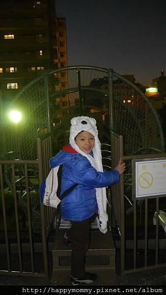 2014.12.30 東京晴空塔 大橫川公園超長鏤空溜滑梯 (4).JPG