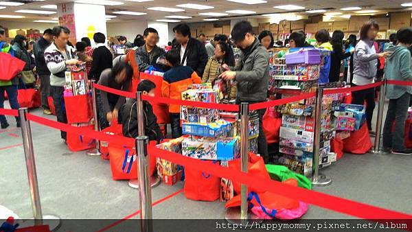 2015.麗嬰國際 funbox 寒假玩具特賣會 (2).jpg