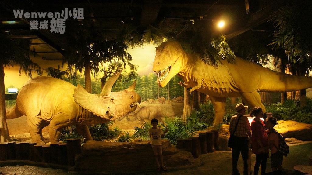 2015.08.29 台北市立動物園 教育中心 恐龍探索館 (24).JPG