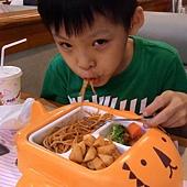 2015.06.03 樂雅樂兒童餐 (5).jpg